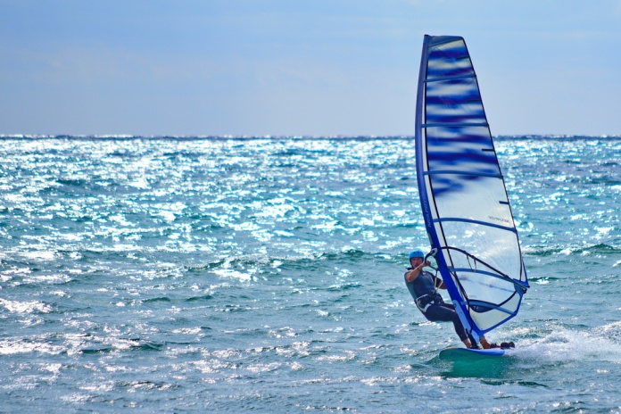 stiges_spain_wind_surfer_exc_d75_0340_resize