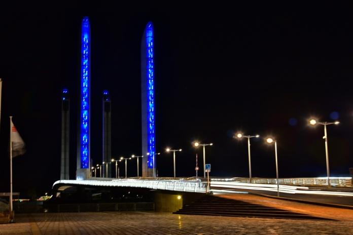 750_2286modern-bridge_resize