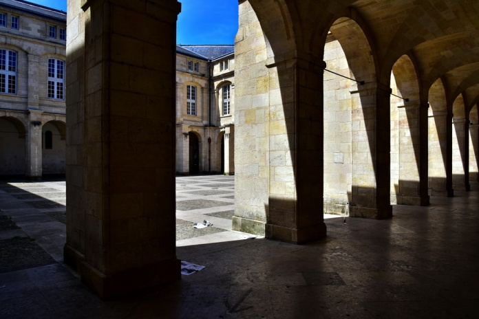 AAA_Bordeaux_750_3075s_resize