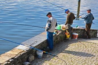 04142018_Pinhao-Portugal_3-fishermen_750_6520_resize