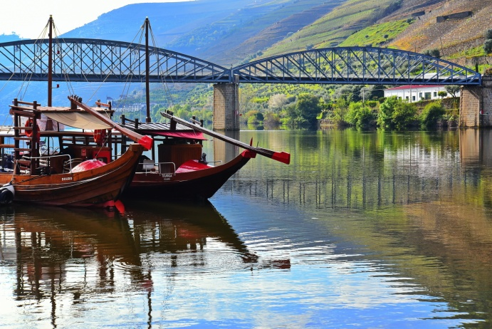 04142018_Pinhao-Portugal_Bridge&Boats_On_The_River_750_6465_resize